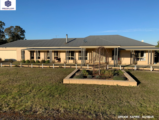 15 Fay Drive, WINTER VALLEY VIC 3358